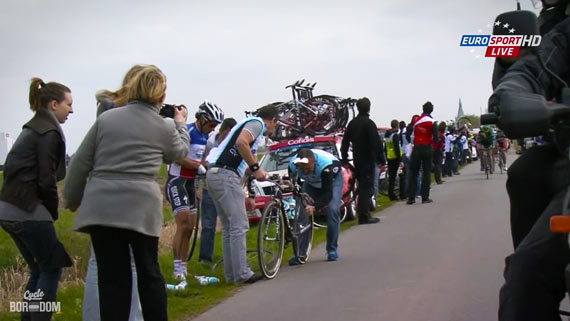 Cycleboredom | Screencap Recap: Paris-Roubaix - Chava Flatta