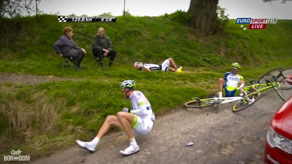Cycleboredom | Screencap Recap: Paris-Roubaix - Have A Go?